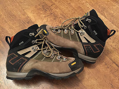 mens Asolo walking/ hiking boots, size 10-10.5, good condition