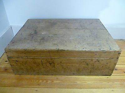 "ANTIQUE VINTAGE PINE WOODEN CHEST BOX COFFEE TABLE STORAGE MEASURES 29""x21""x9.5"""