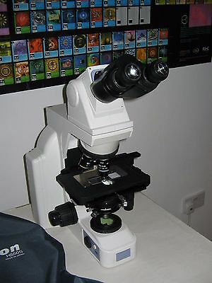 Nikon E400 Biological microscope with two objectives