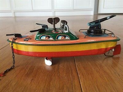 modern toys   MT. BOAT WITH GUNS WIND UP