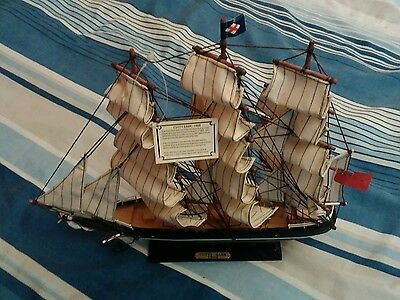 IDEAL GIFT NEW Cutty Sark Model Ship Unwanted Present
