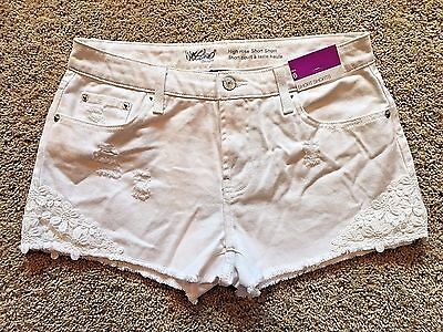 NWT Women's White Mossimo High Rise Short Shorts Size 6