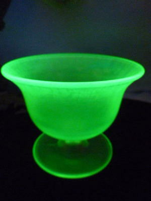 Vintage Vaseline Stretch Glass Bowl Candy Dish Footed Beauty ~ Glows
