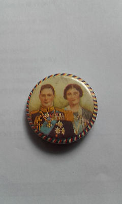 King George VI and Queen Elizabeth (the Queen Mother) Tin Badge - 1937