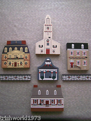 Lot Of 7 Vintage Cats Meow Village Colonial Virginia Christmas Church Tavern Etc
