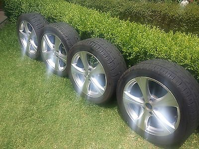 """4 only 17""""' Alloy Rims complete with tyres"""
