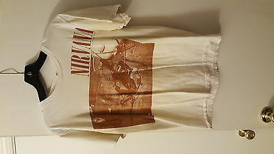 """Nirvana """"Smashed Guitar"""" Medium White T-Shirt Pre-Owned Grunge Pit Discoloration"""