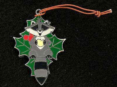 Disney Trading Pin - Christmas Ornaments Reveal Conceal Meeko from Pocahontas