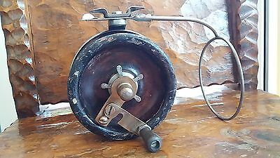 Vintage Alvey 550 c1 timber fishing reel