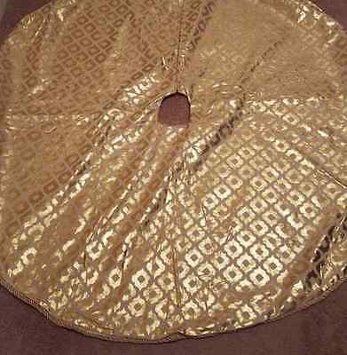 NEIMAN MARCUS  CHRISTMAS HIGH END  GOLD AND LINEN  tree skirt new 53""