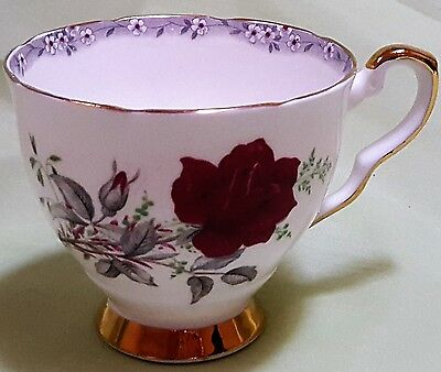 Royal Stafford Roses to Remember Cup