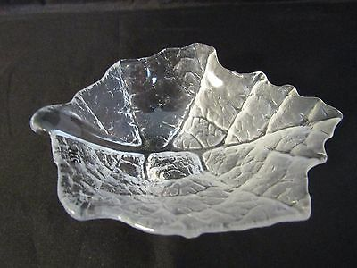 "Sweden Mats Jonasson ""folia"" Clear Crystal Leaf Dish 4"" With Label"