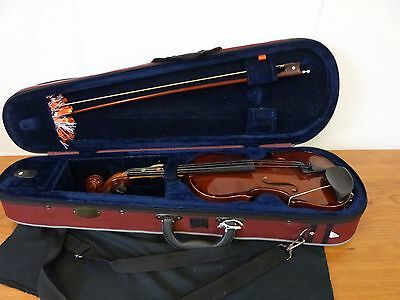 1/2 Size violin with case 30347/15