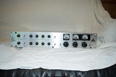 BEHRINGER TUBE ULTRAFEX T1954 in great condition