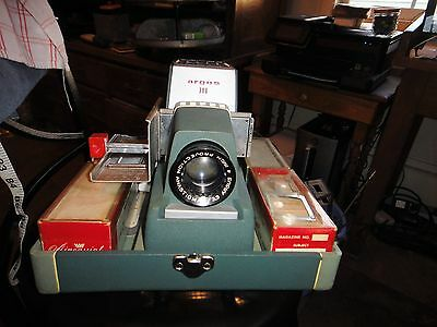 Argus 300 Automatic Slide Projector With Case - GREAT CONDITION!!! and extras