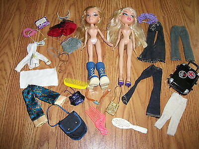 Lot of 2  Bratz Girls  Dolls  &  Clothes Accessories Jeans,Purse,luggage + LOT 1