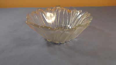 Vintage CLEAR Glass Blooming Sunflower Shaped Serving Bowl