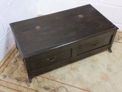 1920's DARK OAK PANELLED BLANKET BOX / STORAGE TOY CHEST, ON CASTERS.