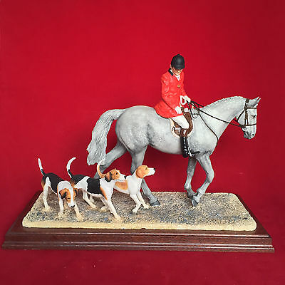 Border Fine Arts Classic 'Hounds Away' Grey B1070 Limited Edition of 950.