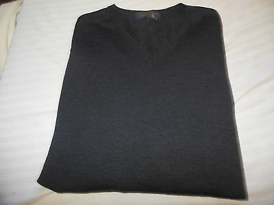 NWOT Men's Brooks Brothers Gray 100% Wool V- neck Long sleeve sweater Size XL