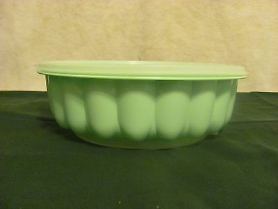 Vintage Tupperware Jello Mold Mint Green and White With Lid