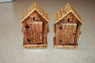 vintage ceramic out house salt and pepper shakers