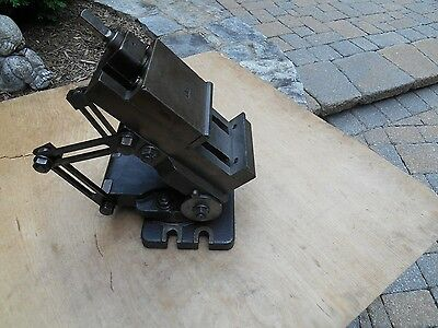 Brown & Sharpe No. 3 adjustable angle milling vise