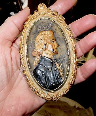 Vintage portrait cameo medallion American? English? historical? casted metalware