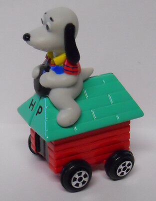 VINTAGE! Ertl Lamb Chop & Friends Hush Puppy on Dog House