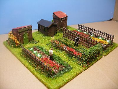 00: SET OF 3 SMALL ALLOTMENTS.  Dioramas by 'Trackside-Scenes'.