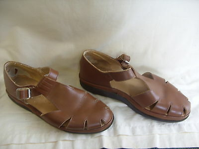 Mens Sandals - Head On, size 9.5, brown leather, Bowls, buckle over, used - 3111