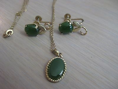 Estate Costume Krementz Jade Necklace and Screw Back Earrings Gold Tone