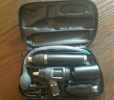Welch Allyn 3.5v Lithium Diagnostic Set Ophthalmoscope  Otoscope  71900 Handle