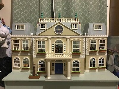 Sylvanian Families Grand Hotel with Various Characters and Accessories
