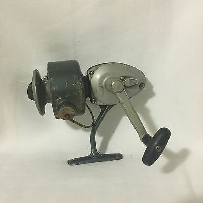 Vintage Fishing Reel Made in Japan Collectable