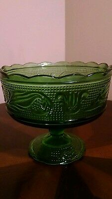 Vintage E.O Brody Made in USA Cleveland Pedestal Candy Dish Green Glass Trifle