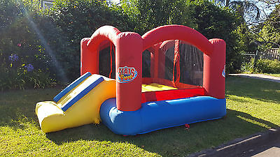 Jumping Casle - Bounce 'N Slide Castle, Stats Fun (great condition!)