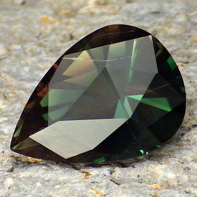 CHROME GREEN DICHROIC SCHILLER OREGON SUNSTONE 4.02Ct CLARITY P1-TOP COLLECTOR