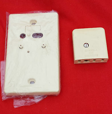 Wall Mounting Plate & 800 Type Socket for PMG Telephone/Phone