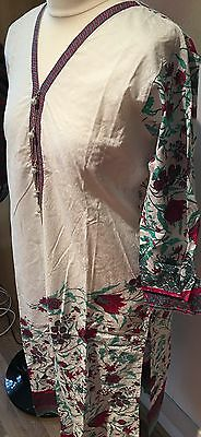 Nice 3 Piece Suit For Ladies Shalwar Kameez Size Medium