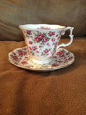 Royal Albert Bone China Nell Gwyne Series Chelsea Teacup and Saucer (1150)