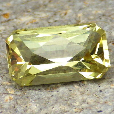 APATITE-MEXICO 3.34Ct CLARITY VVS1-LIVELY YELLOW GREEN COLOR-FOR TOP JEWELRY!