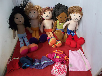 i20 Manhattan   Lot of 5 Groovy Girls & 6 PIECES of clothes