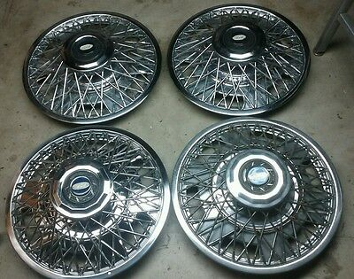 Vintage Ford Set of 4 Spoked Hub caps Hubcaps all Very Good