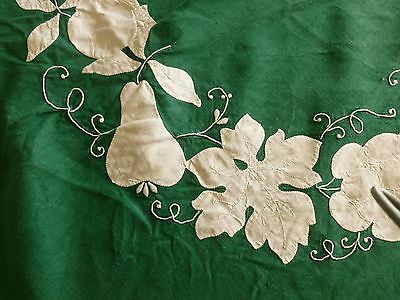 Vintage MADEIRA Linen Tablecloth 12 Napkins  Applique Fruit Embroidery  Green