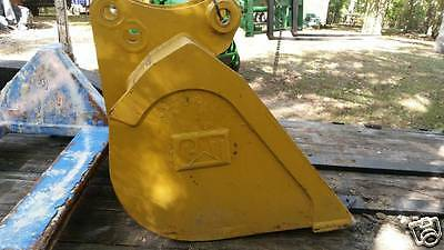 "New 32"" Caterpillar CAT 416 / 436 / 420 /426 Backhoe Claring Bucket"