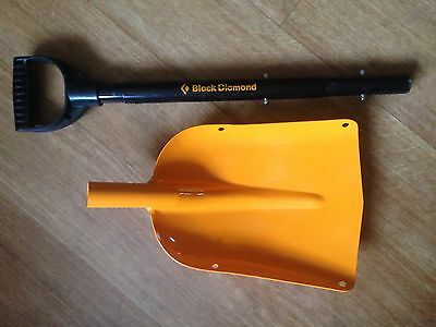 Black Diamond – Snow Shovel (900mm extends to 1100mm with removable handle)