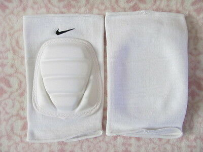 Nike Multi-Sport Bubble Knee Pads One Pair Adult M/L White/Black - New
