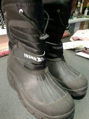 Mens snow boots size 10