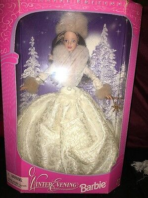 Barbie 1998 Winter Evening Beautiful  White Iridescent Sparkling Outfit Pretty